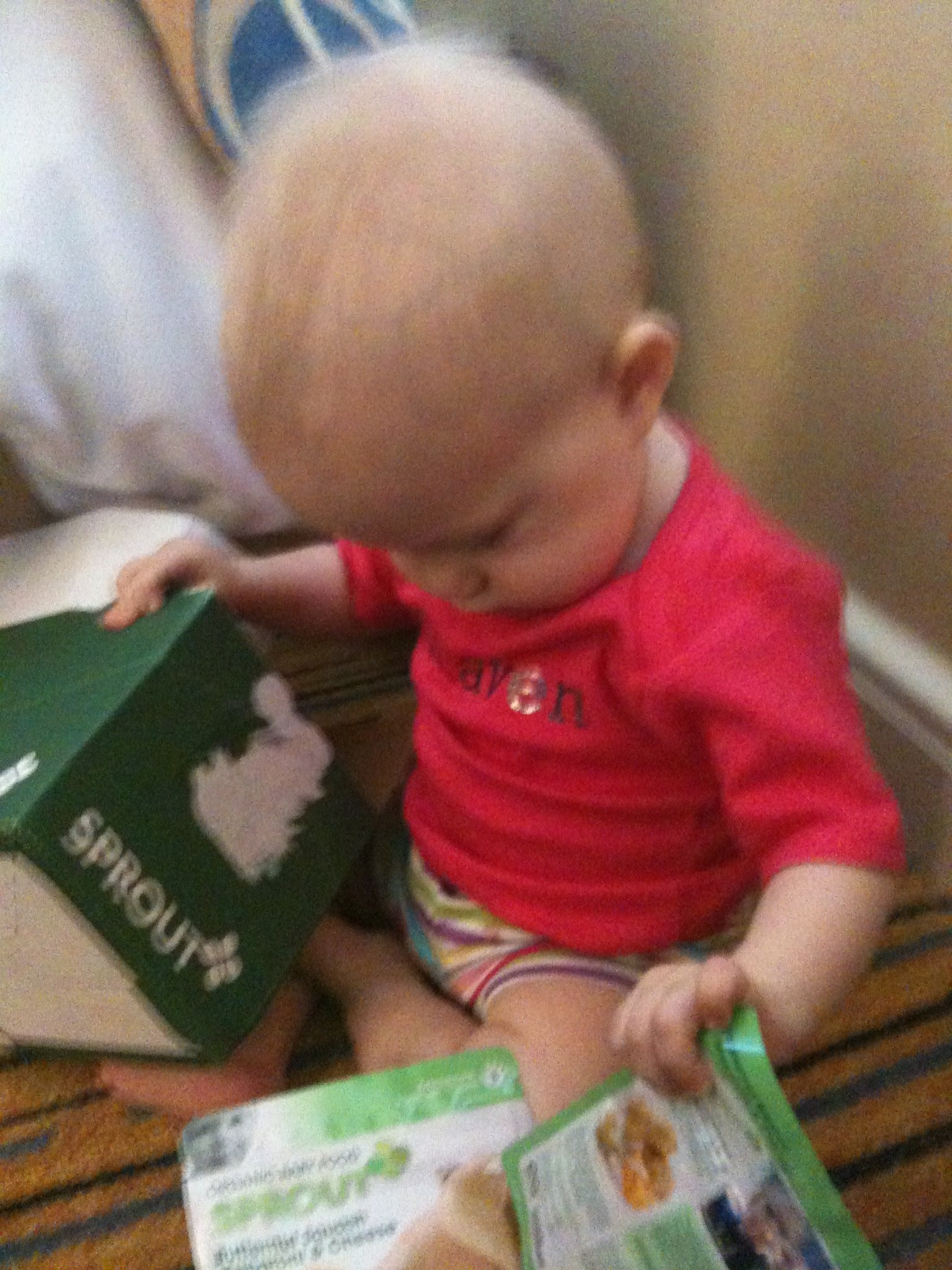 Hungry babies (and mamas) enjoy @SproutFoods at #BlogHer11
