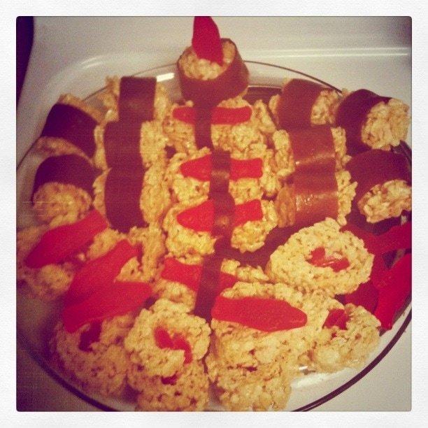 Rice Krispie SUSHI treats with @StretchIsland FruitaBu!