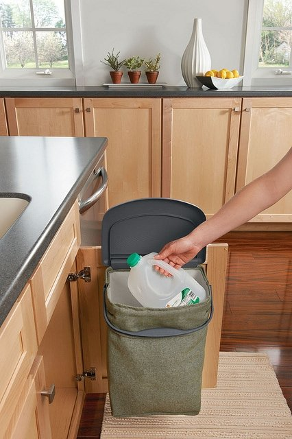 End recycling woes with Rubbermaid!