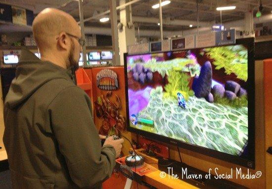 We played the Skylander Giants demo at Best Buy!