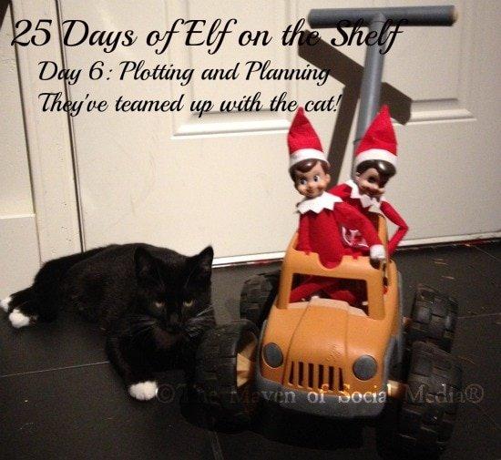25 Days of Elf on the Shelf – Day 6 #elfontheshelf