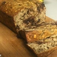 THE BEST oatmeal chocolate chip banana bread!