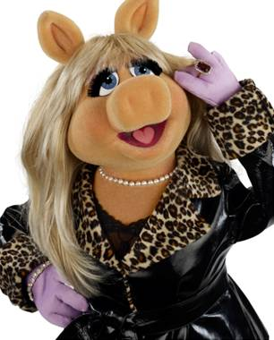 Miss Piggy & Joan Rivers fight at QVC party!!!
