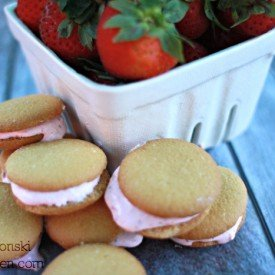 Summer Recipe Strawberry Sandwich Cookies