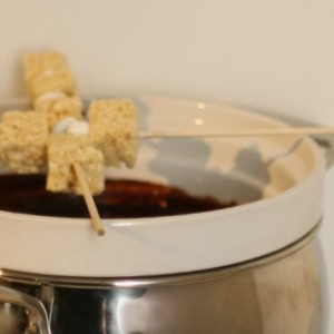 Rice Krispies Treats on skewers #KreateMyHappy #ad