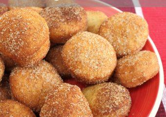 Delicious Cinnamon Sugar Doughnut Holes