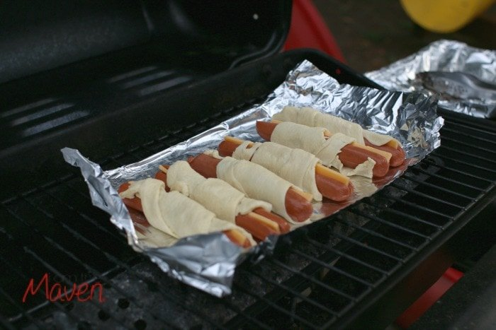 Step 4, grill your dogs on foil #WhataGrillWants AD