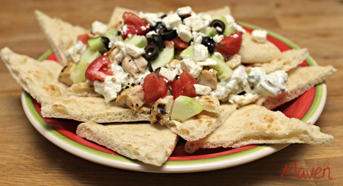 Delicious greek chicken nachos! #FosterFarmsFresh #ad