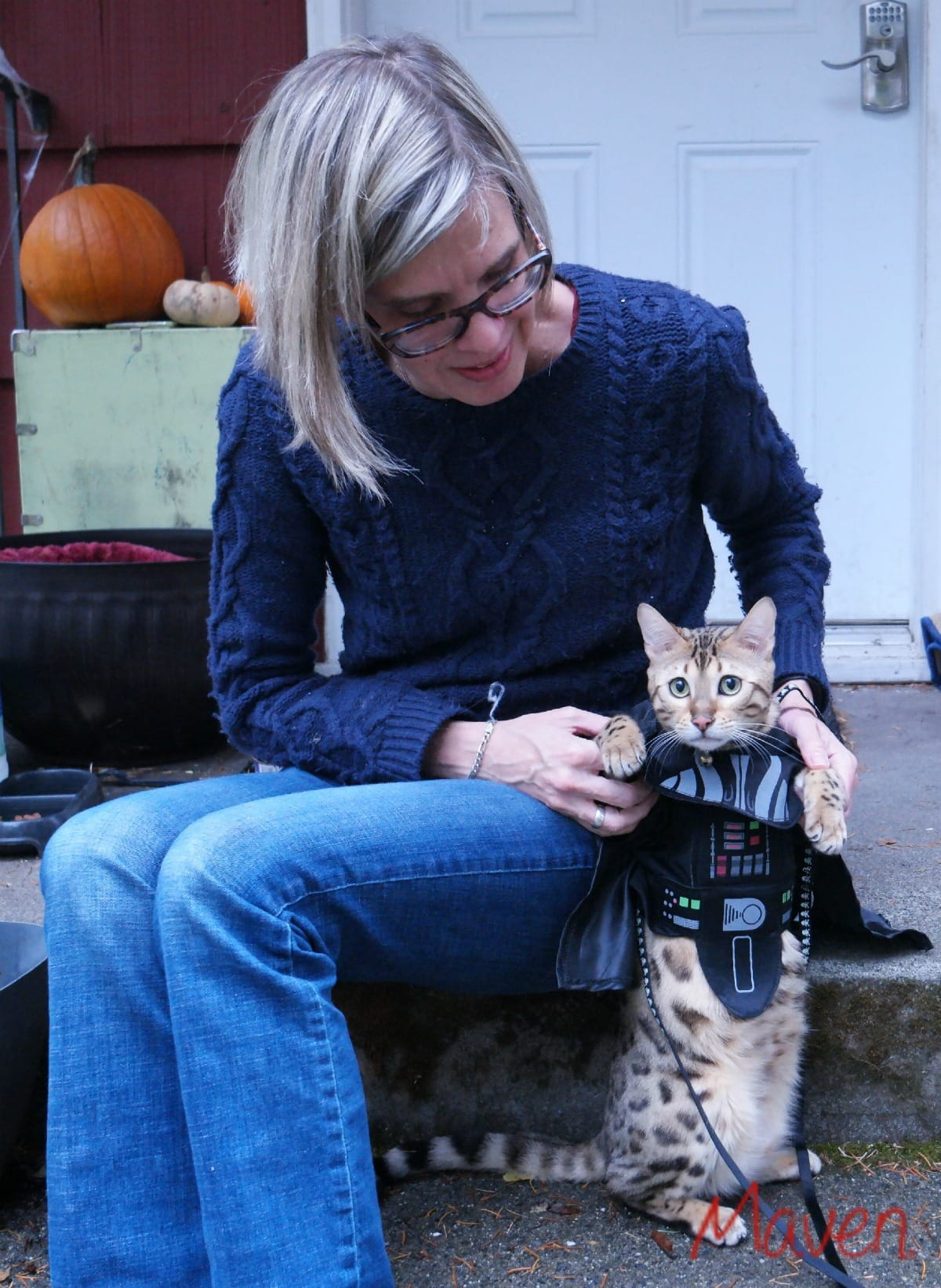 Nixie wears her Star Wars costume with style and grace. Darth Kitty