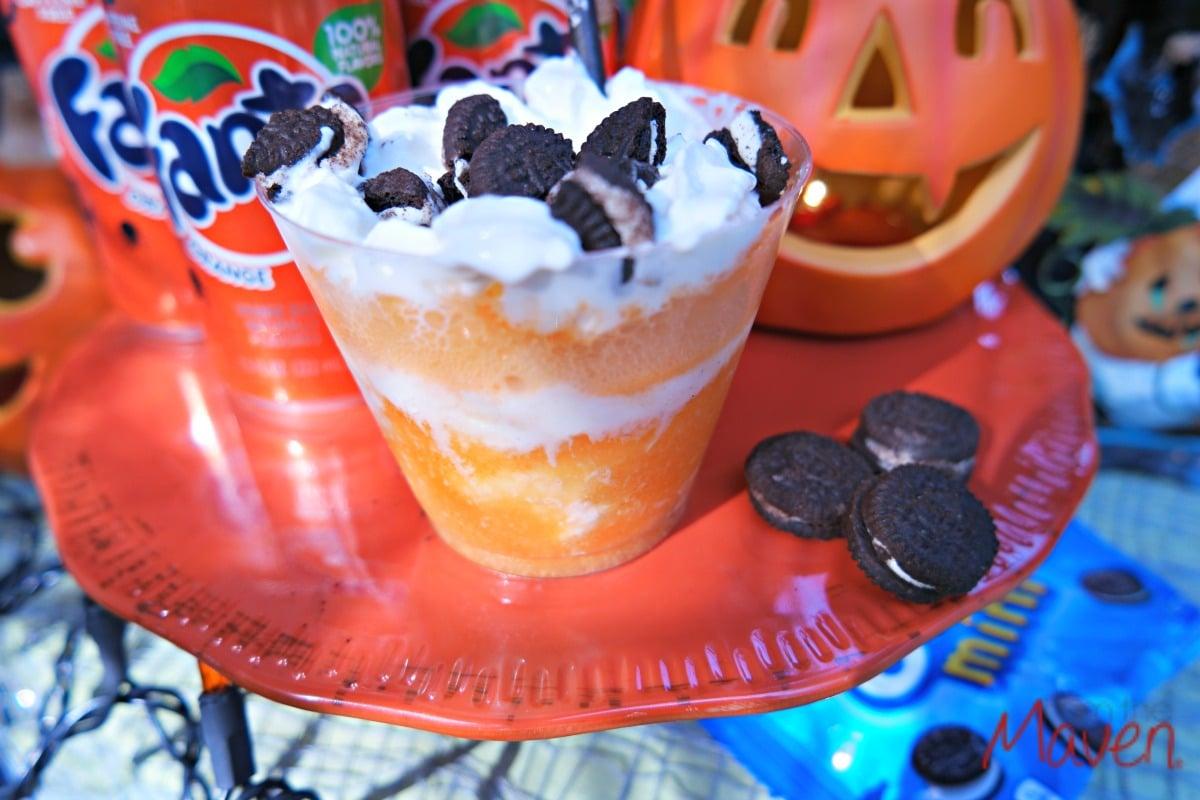 Easy peasy Fanta and OREO float! #SpookySnacks AD