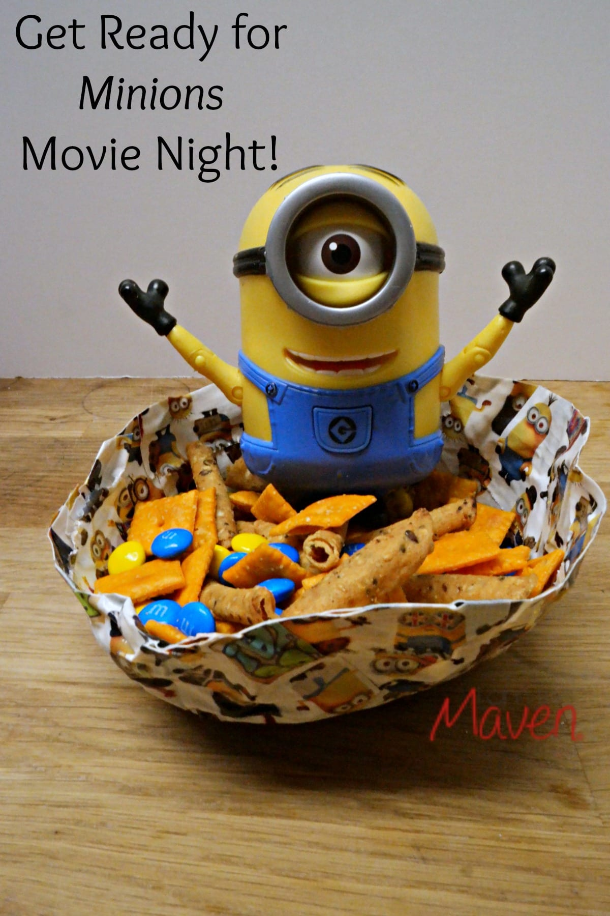 Get ready for Minions movie night with these two easy Minions Movie Snacks! #MinionMovieNight AD
