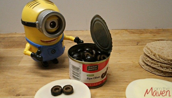 Minons Pizza Step 5 #MinionsMovieNight AD