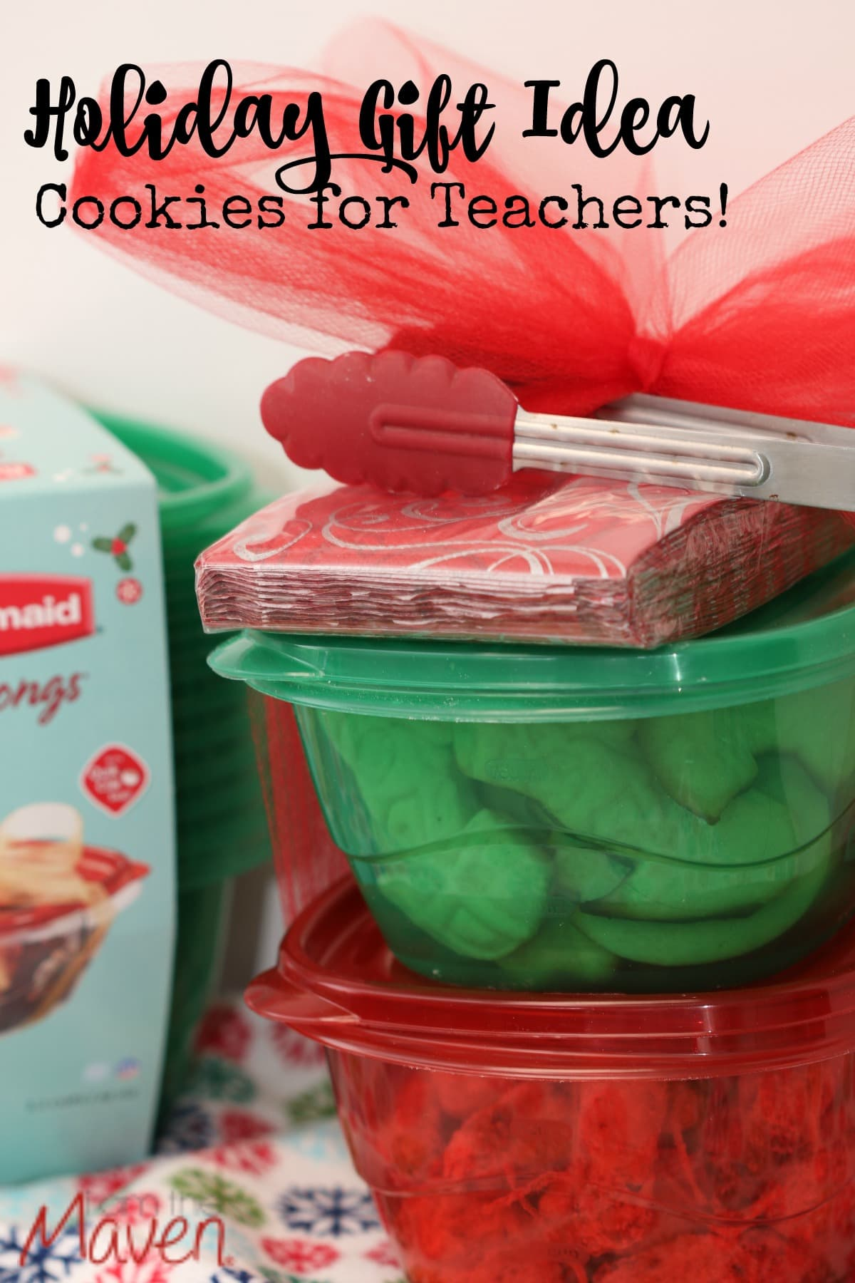 Make cookies for teachers and then put them in Rubbermaid TakeAlongs to keep them fresh and make them easy to transport! #SharetheHoliday AD