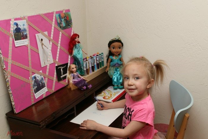 Fulfill your daughter's dreams with a vision board and art center #InspireBigDreams #DreamBigPrincess AD