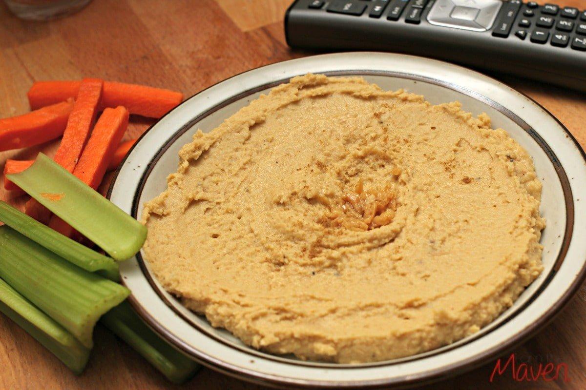 Delicious and easy hummus!