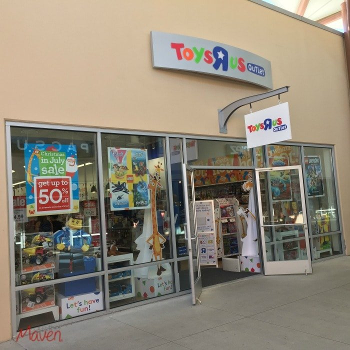 "Toys""R""Us Outlet Grand Opening At Seattle Premium Outlets"