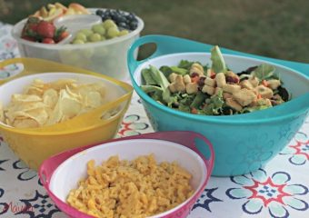 Easy Entertaining with Snapware!
