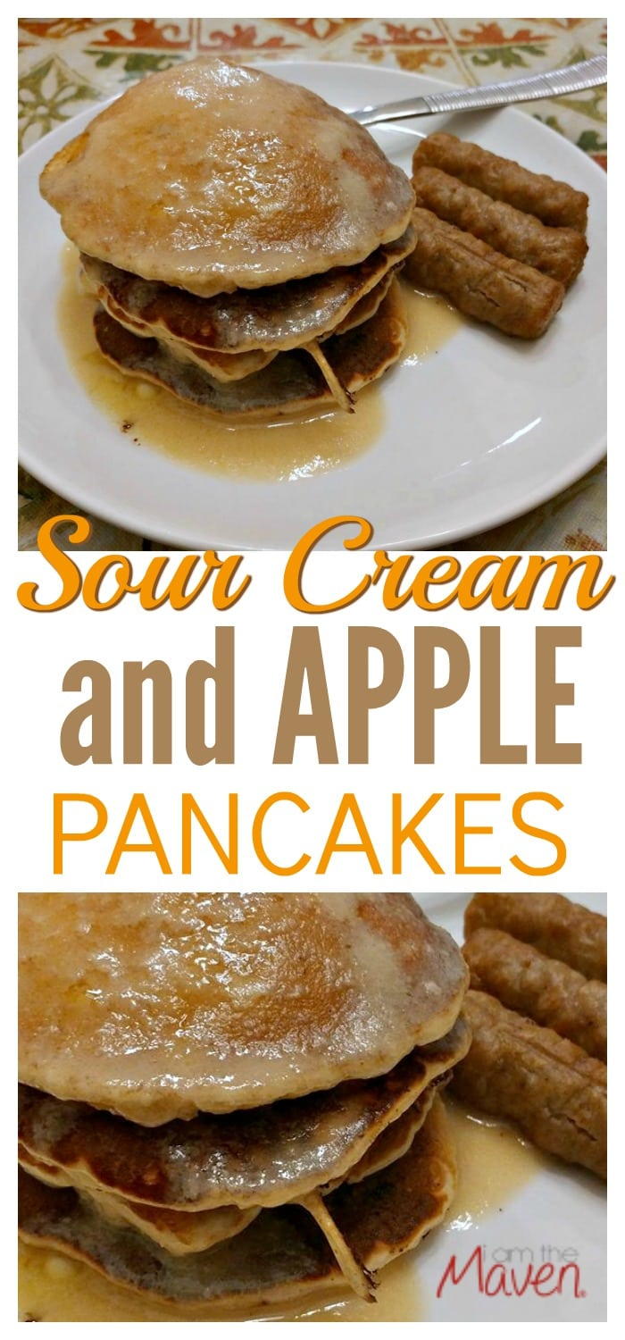 Try these sour cream and apple pancakes for your next weekend brunch!
