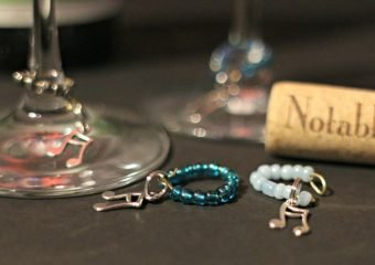 Make these easy DIY Musical Wine Charms!