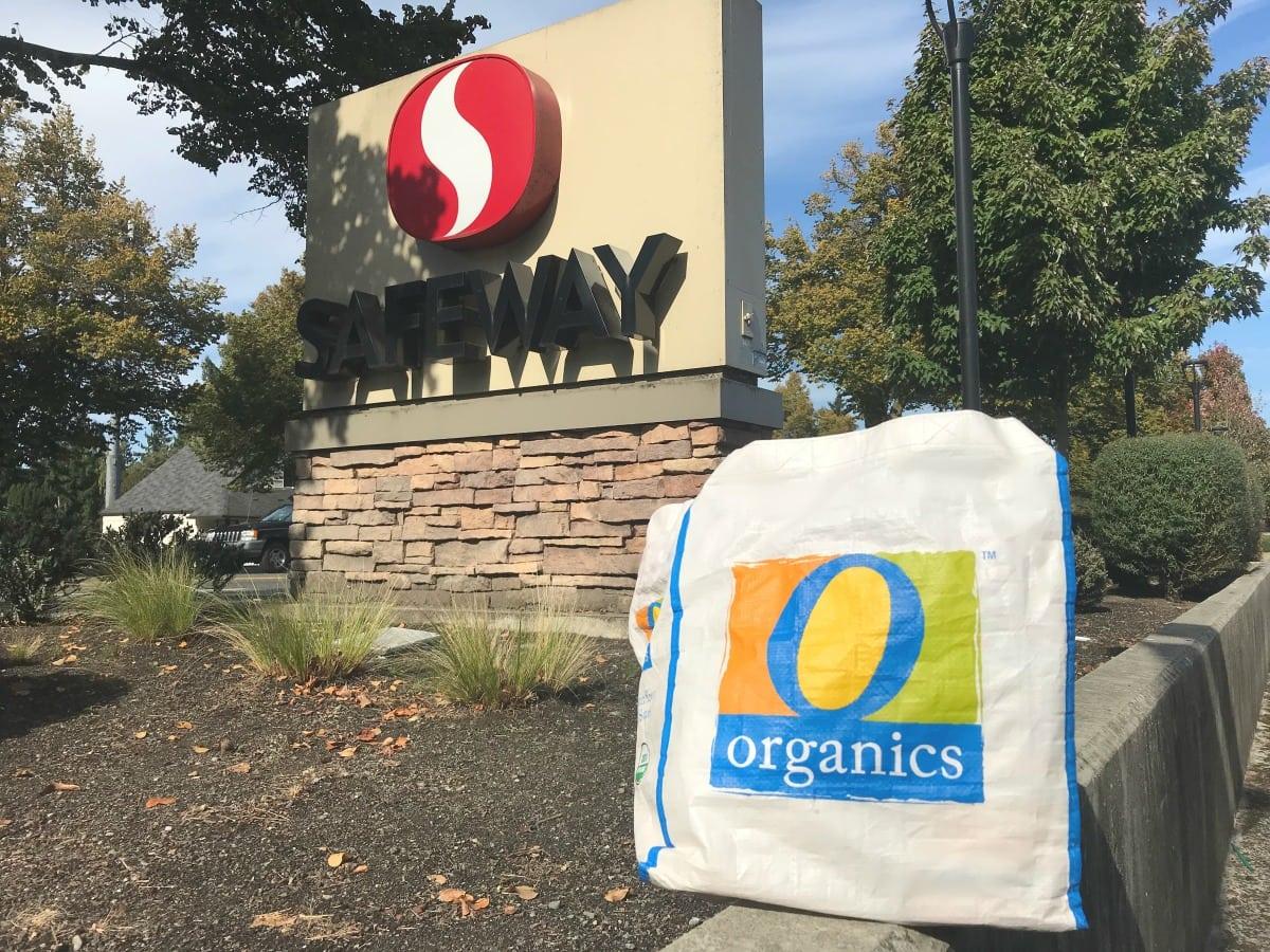 safeway sign with o organics