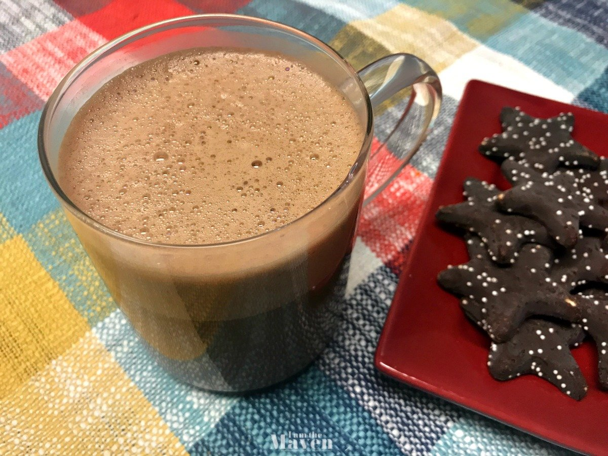 whipped hot chocolate and star cookies