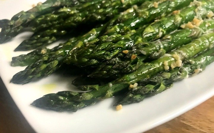 garlic roasted asparagus on a plate