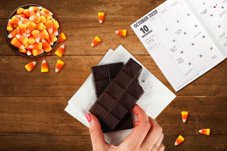 october calendar with halloween candy